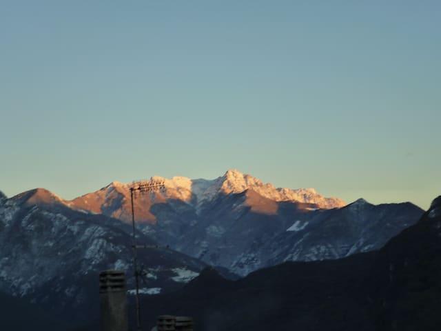 In zona tranquilla e panoramica - Cazzano - Leilighet