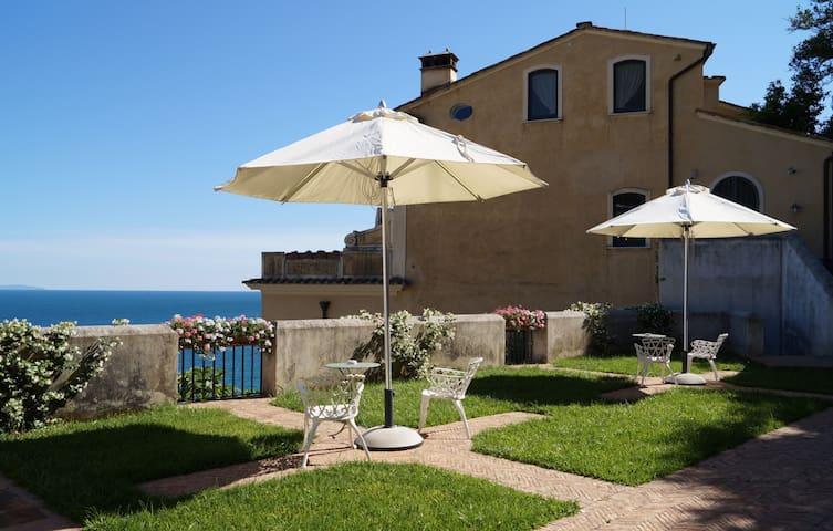 Exclusive historic villa w/sea view - Vietri Sul Mare - วิลล่า