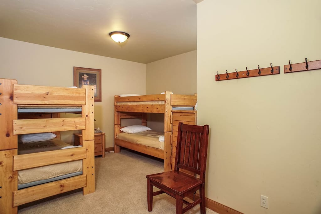 BUNK ROOM 2 X TWIN OVER TWIN