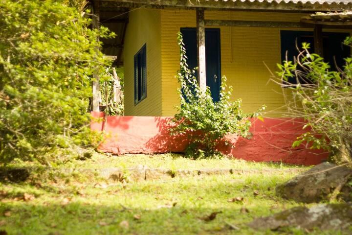 Casa Amarela: um refúgio no meio da Mata Atlântica