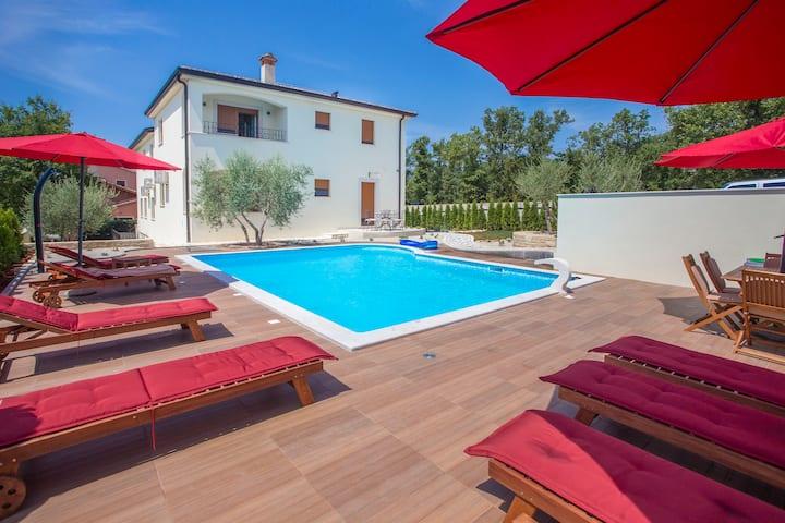 Apartment Birikina 4 with pool near Poreč