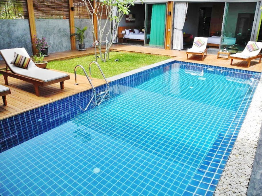 Magnifique villa avec piscine maisons louer rawai for Piscine a debordement thailande