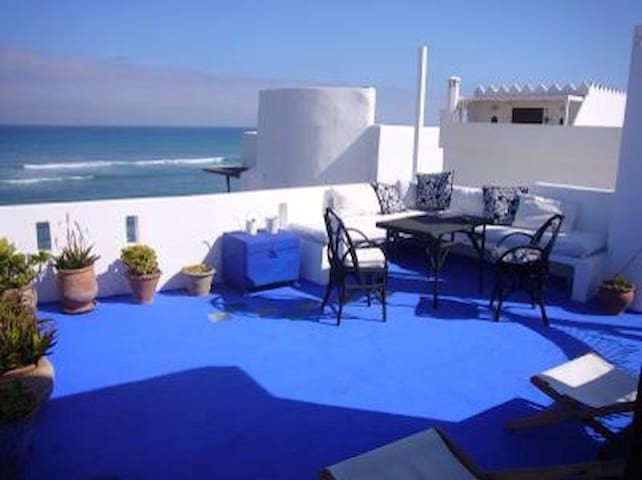 Charming house facing the Ocean - Arcila