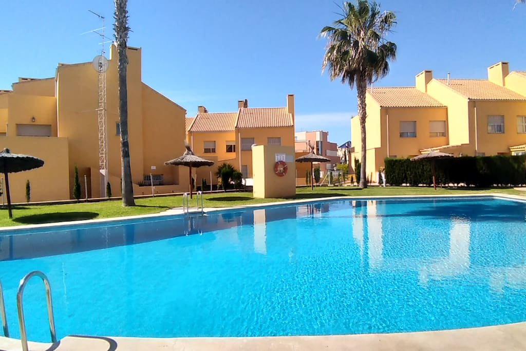 Exclusive residence in the heart of the Golf & Beach area of Alicante