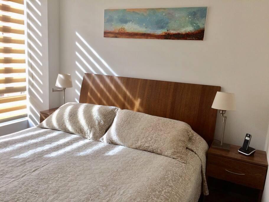 Cuarto principal con cama doble muy confortable