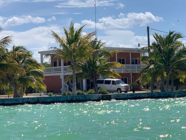 En La laguna( Entire house)