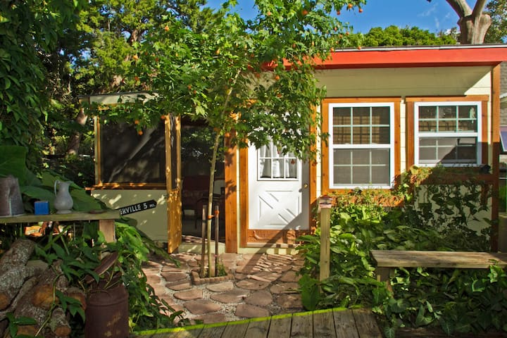 Cute Tropical Cottage - St. Augustine - Huis