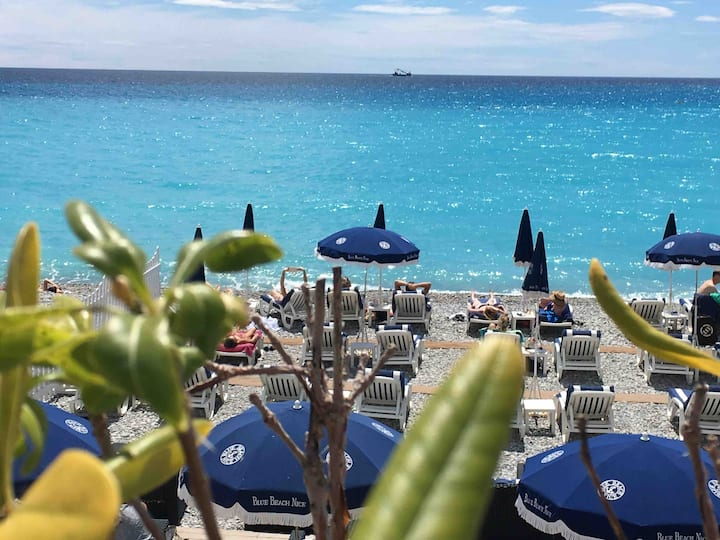 Studio climatisé vue mer 100m des plages