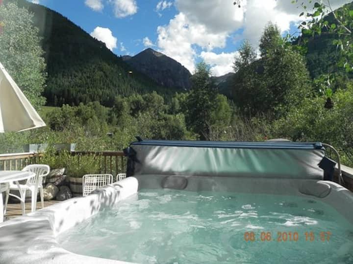 Best views, Hot tub, Office, hi speed WiFi