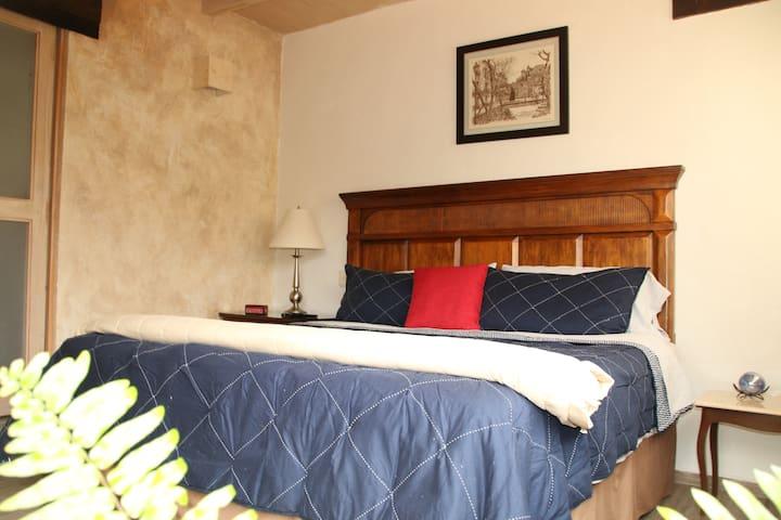 Amplia Suite de Lujo  Sayavedra/ Casa los Ciruelos - Ciudad López Mateos - Apto. en complejo residencial