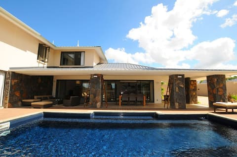 Villa Cascavelle luxury style,total privacy,pool