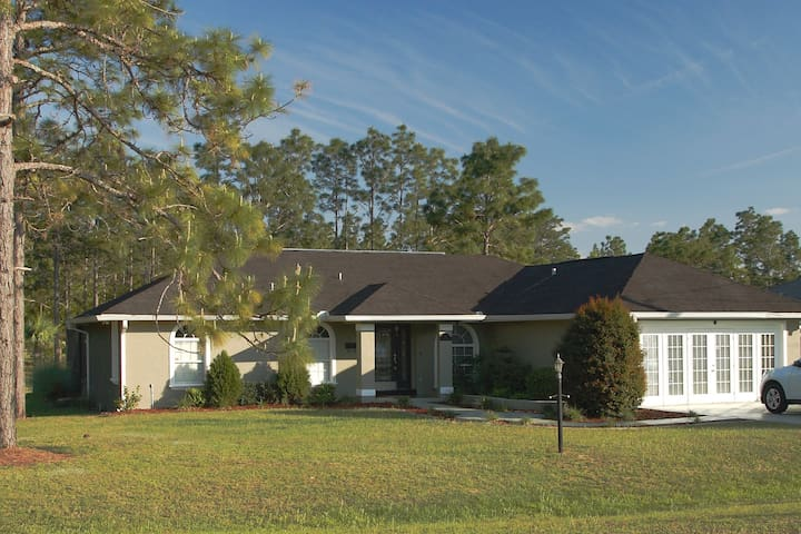 Nice and clean vacation house with heated Pool - Ocala - Bungalow