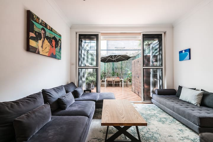 Surry hills: Central Sydney 5 bedroom home