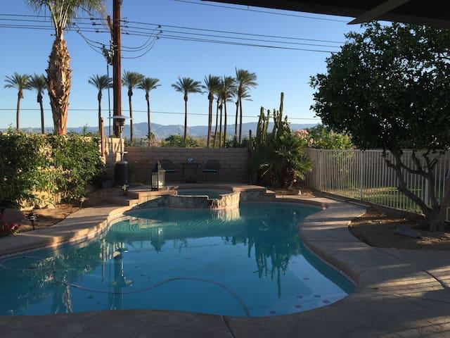 Pool/Jacuzzi great views