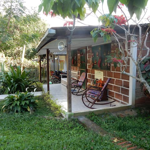Casa campestre el Encanto New! Charming Cottage.