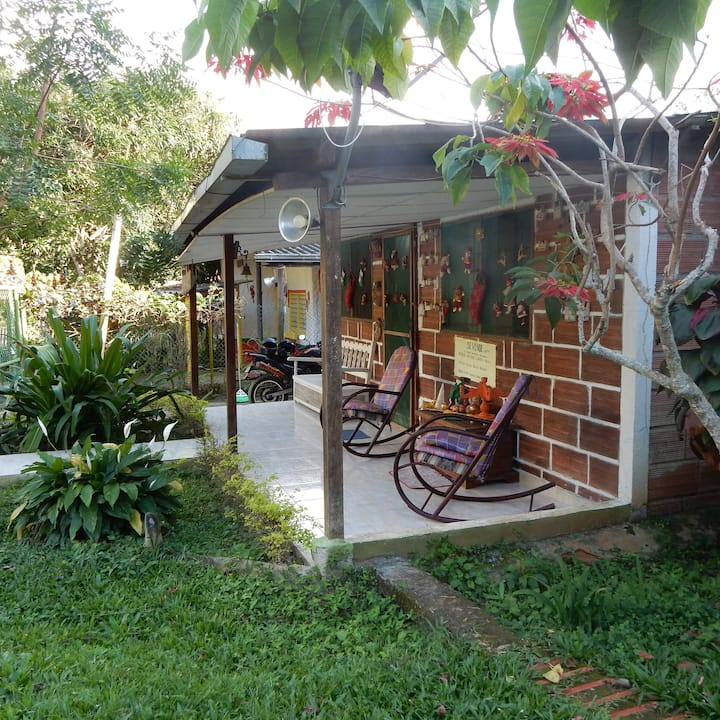 Casa campestre el Encanto New! Charming Cottage.