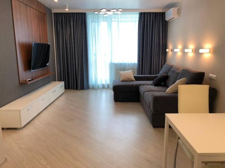 Новые Апартаменты с гостиной и спальней