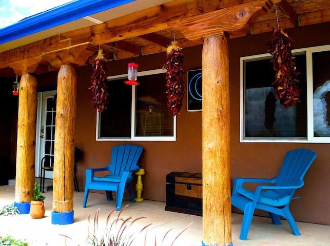 The Turquoise Moon B&B/Near ABQ, NM - Cedar Crest - Oda + Kahvaltı