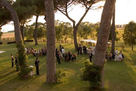 Casali Santa Brigida - Rome - Bed & Breakfast
