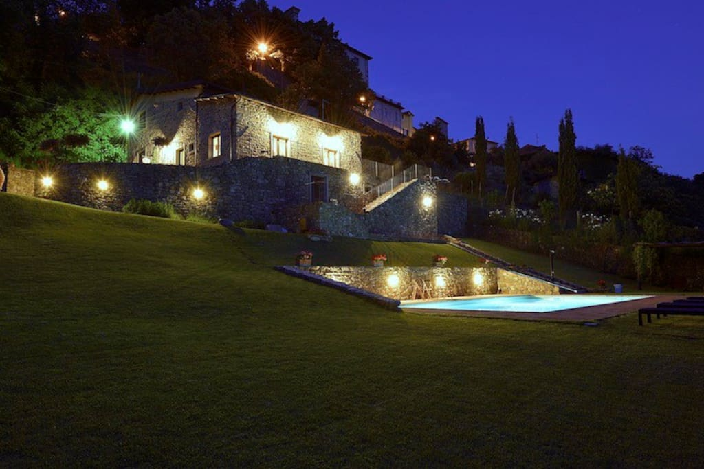 Warm Italian nights, to enjoy by the pool