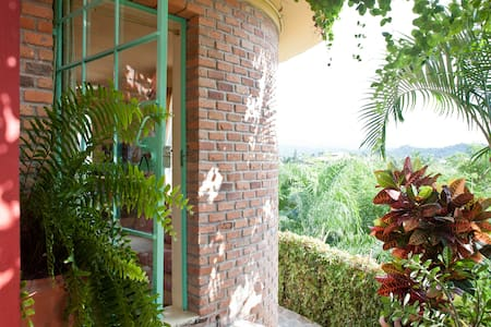 Room type: Entire home/apt Bed type: Real Bed Property type: Villa Accommodates: 2 Bedrooms: 1 Bathrooms: 1