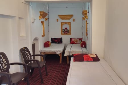 5 Bed Gold room at Kanha - Bed & Breakfast