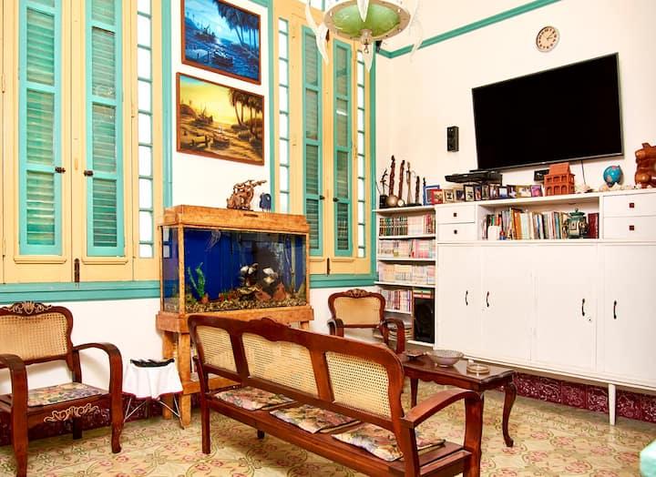 Family home in centro Havana1 (breakfast included)