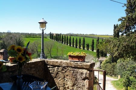 Francesca Apartment in old Monastery on Tuscany