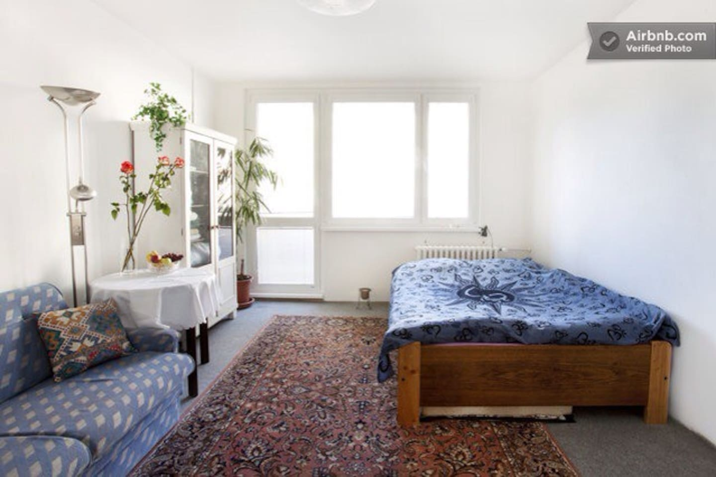 Spatious room with double bed and extendable sofa
