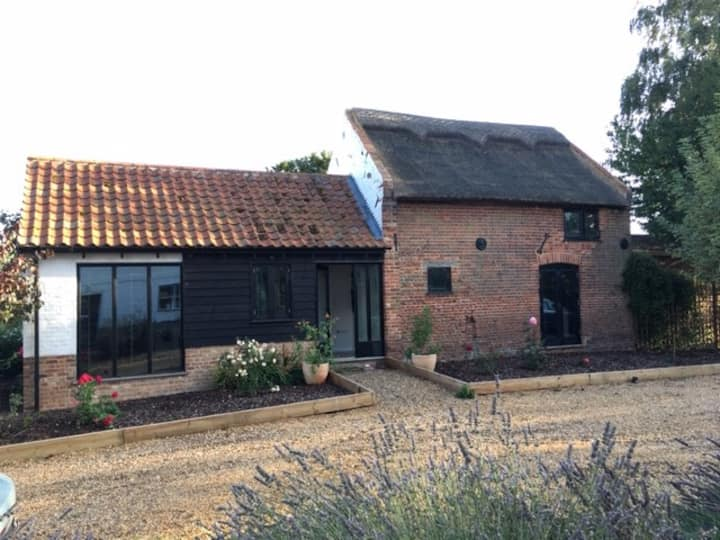 Modern comfy & cosy Barn in a rural quiet location