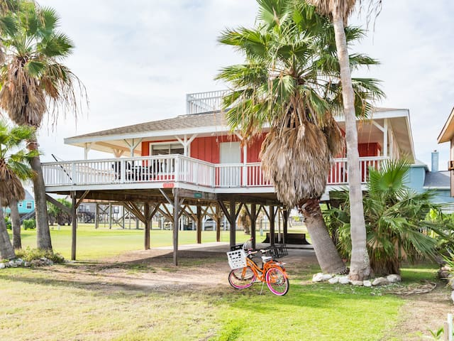 Cute getaway cottage near the beach! - Freeport