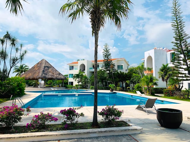 Cancun Getaway Apt, pool ♥ lagoon☆bbq ☞hotel zone