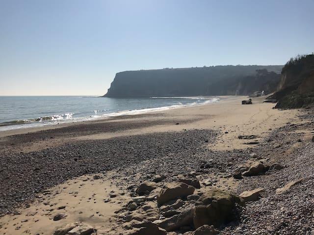 White cliff bay