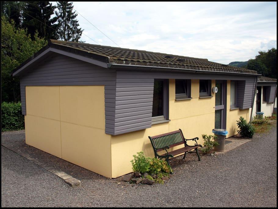 sch ne ferienwohnung in waxweiler blockh tten zur miete in waxweiler rheinland pfalz deutschland. Black Bedroom Furniture Sets. Home Design Ideas