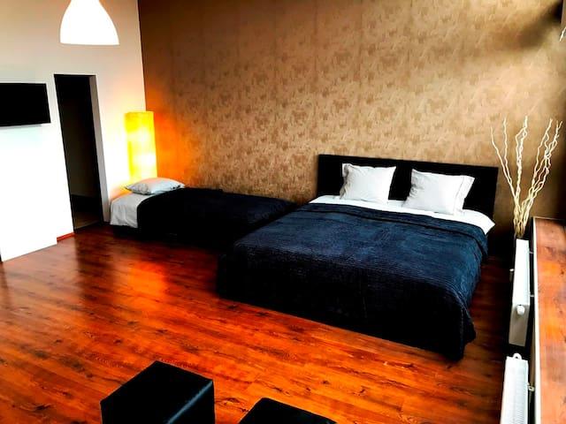 Apartment - 12min CENTRE / 15min AIRPORT - Praha - Betjent leilighet