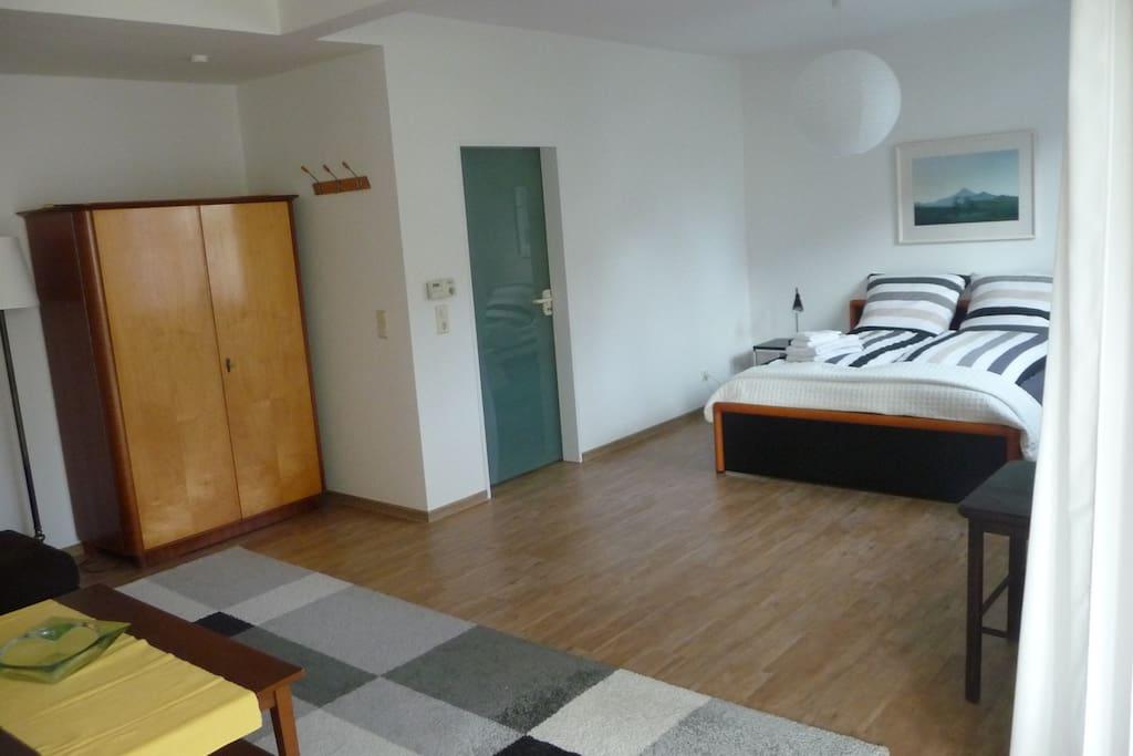 40m2 zimmer mit wintergarten wohnungen zur miete in oldenburg niedersachsen deutschland. Black Bedroom Furniture Sets. Home Design Ideas
