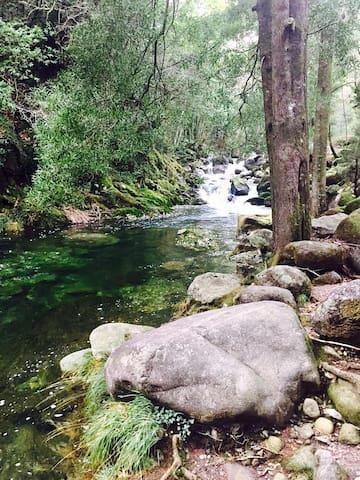 cabañas en el rio - A Pobra do Caramiñal
