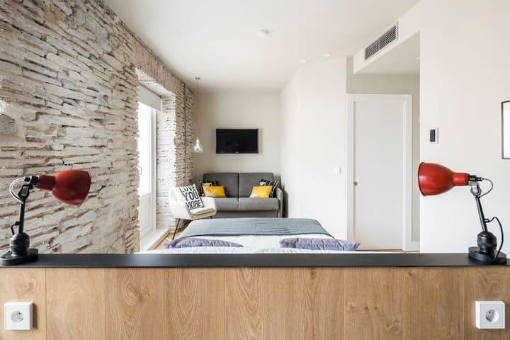 Aptos Eleven Rooms-Estudio Planta Primera 10