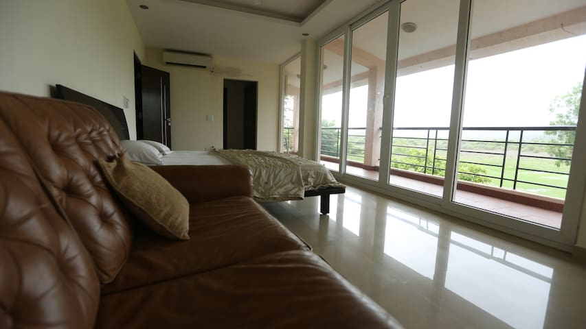 3 Bedroom Luxurious villa with Private Pool - Nerul - Dom