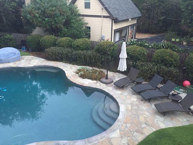 Buckhead Atlanta Private-Entry Guesthouse
