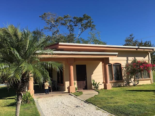 Playa Potrero House, Peaceful/Relax - Potrero - Talo