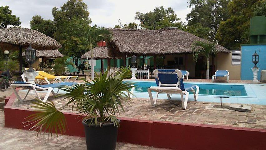 Hostal Villa el Caney - 5 habit - Casa con piscina