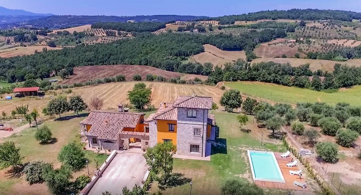 House with private pool 90 km northern of Rome