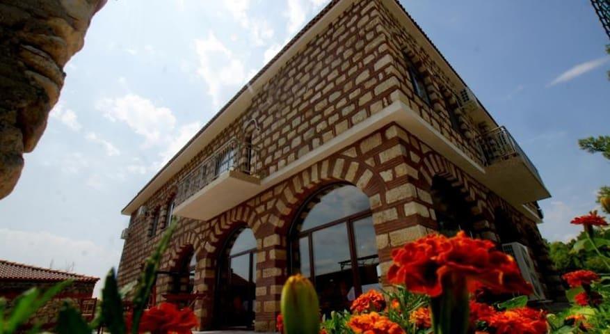 Clean and neet castle - Krumovgrad - Castillo