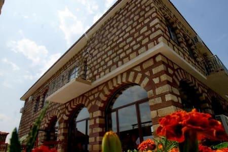 Clean and neet castle - Krumovgrad - Kasteel