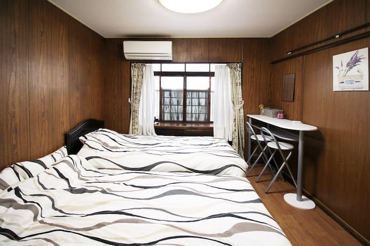 TRADITIONAL HOUSE RoomA Namba 6min