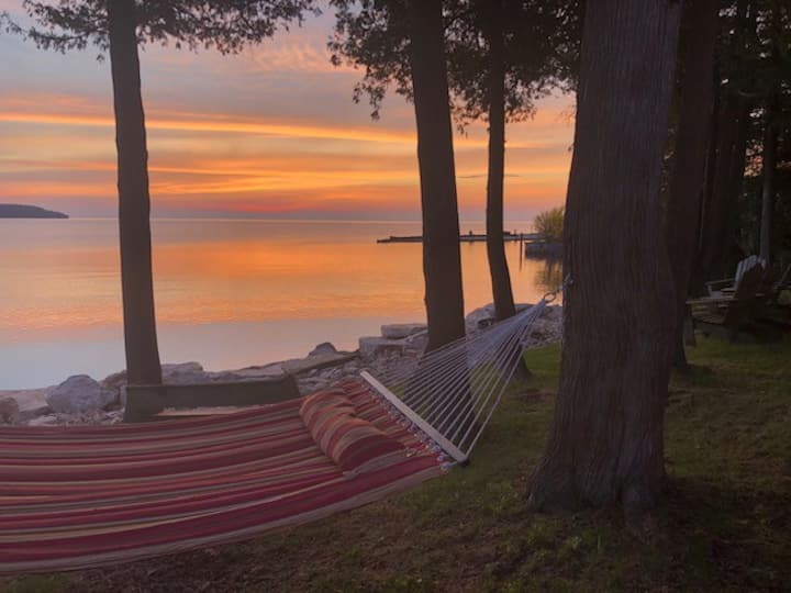 Schwandt Cottage...the Best Sunsets in Door County
