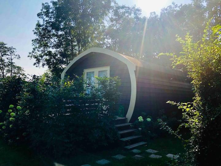 Tiny House op camping aan het water Kiki's Hut