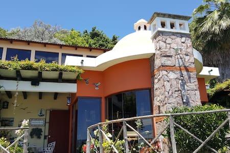Casa Santa María del Lago - San Pedro La Laguna