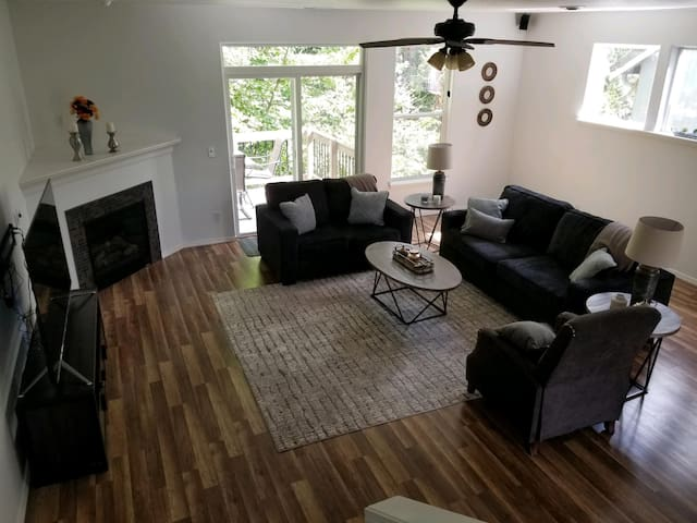 Forest Retreat House with all new furniture